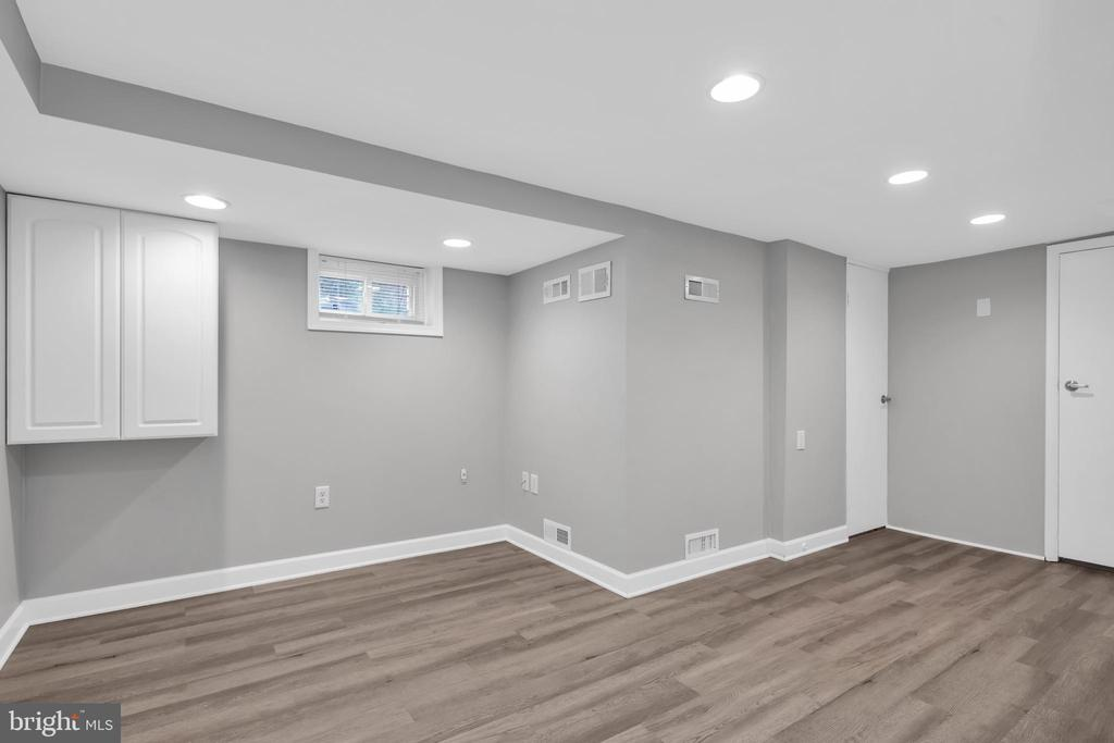 Finished basement with new flooring - 36 S INGRAM ST, ALEXANDRIA