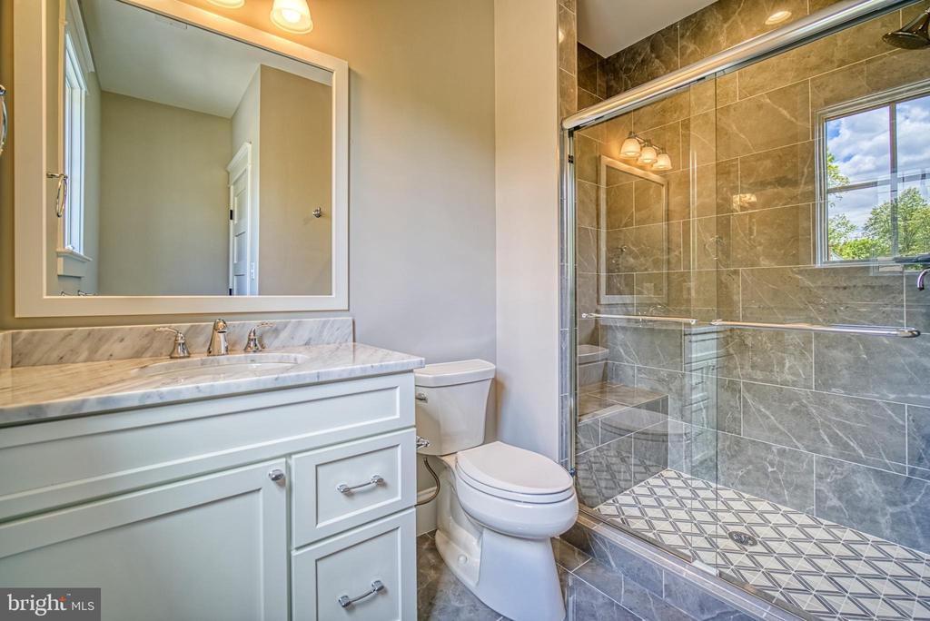 Bedroom #2 bathroom - 3511 N POTOMAC ST, ARLINGTON