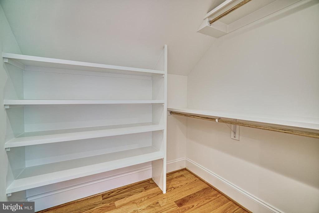 Bedroom #4 walk-in closet - 3511 N POTOMAC ST, ARLINGTON
