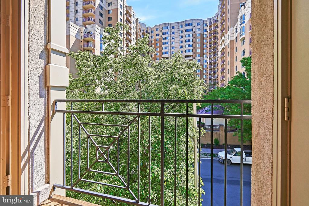 View from balcony - 1320 N WAYNE ST #301, ARLINGTON