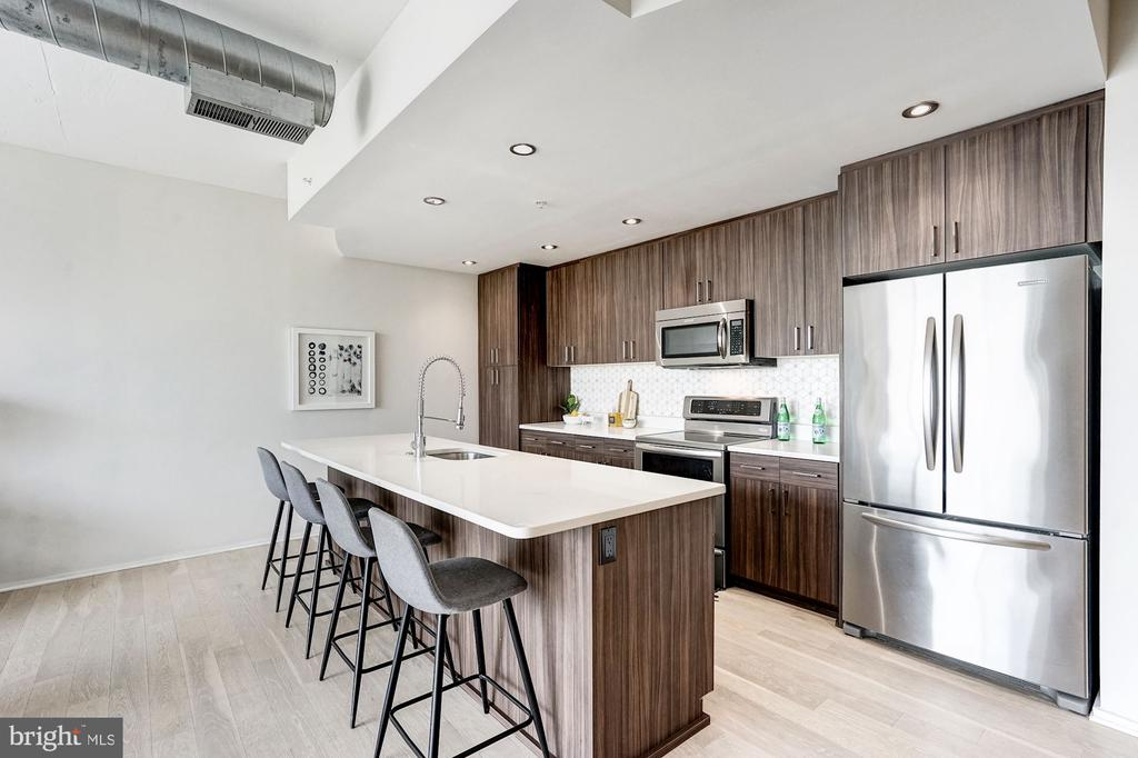 Modern Kitchen - 3409 WILSON BLVD #504, ARLINGTON