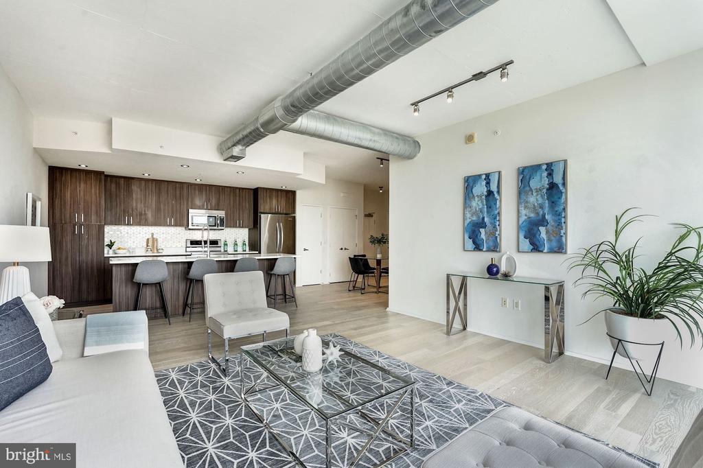 Spacious Living Area - 3409 WILSON BLVD #504, ARLINGTON