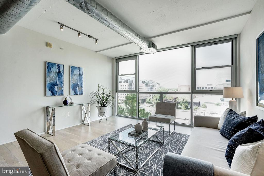 Living Room with Views of Arlington and DC! - 3409 WILSON BLVD #504, ARLINGTON