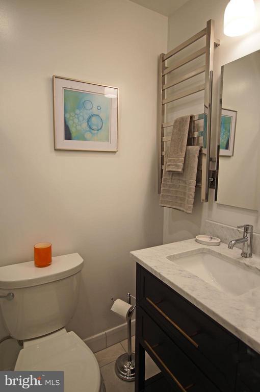 Pristine bath - 8 BROWNS CT SE, WASHINGTON