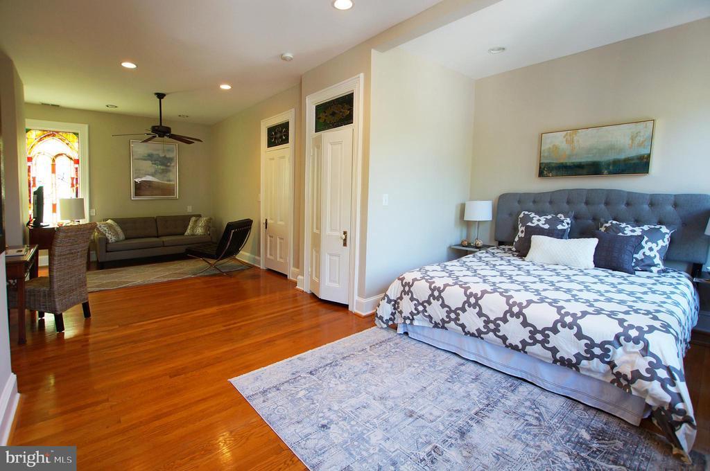The enomous owner's suite - 719 NORTH CAROLINA AVE SE, WASHINGTON