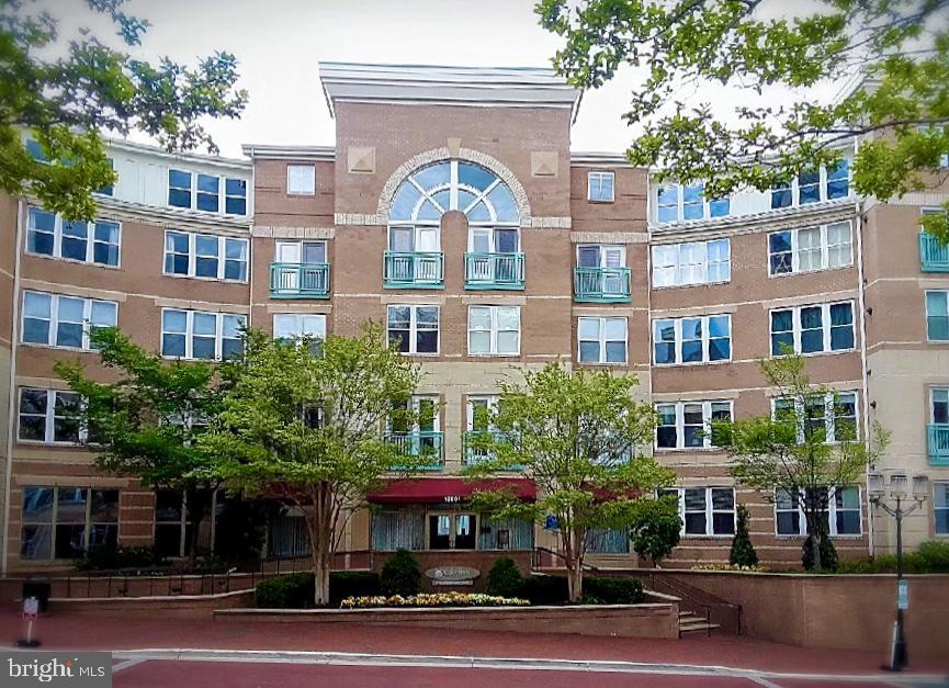 Front Entrance with Concierge - 12001 MARKET ST #177, RESTON
