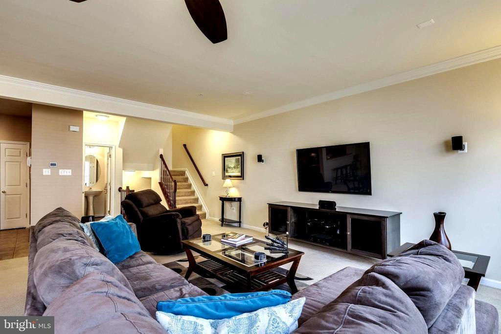 Living Room - 7109 SILVERLEAF OAK RD #164, ELKRIDGE