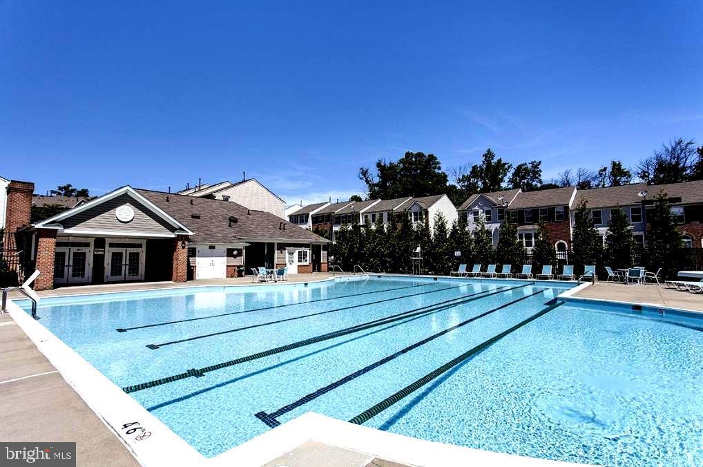 Community Pool & Clubhouse - 7109 SILVERLEAF OAK RD #164, ELKRIDGE