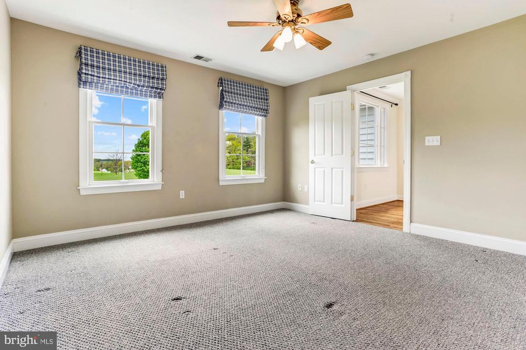 En-suite Bedroom 5 - 6655 DETRICK RD, MOUNT AIRY
