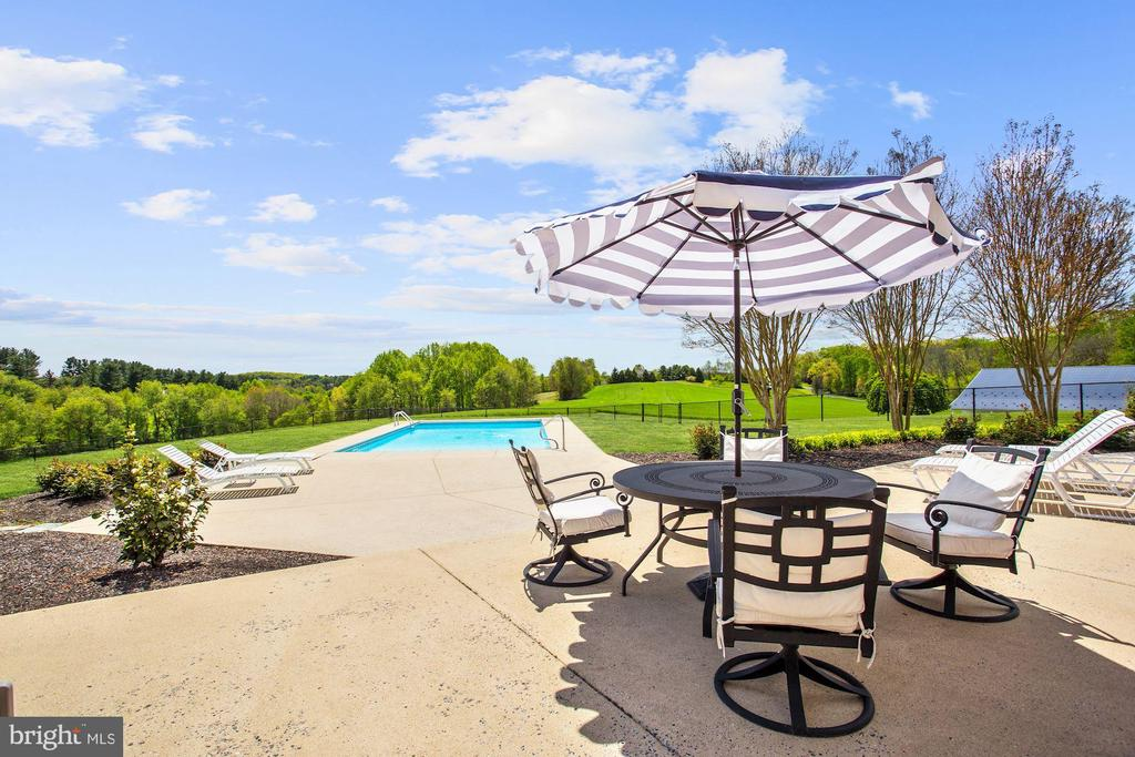 Dining Patio - 6655 DETRICK RD, MOUNT AIRY