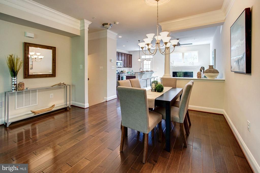 Dining room with buffet niche - 116 WATERLINE CT, ANNAPOLIS