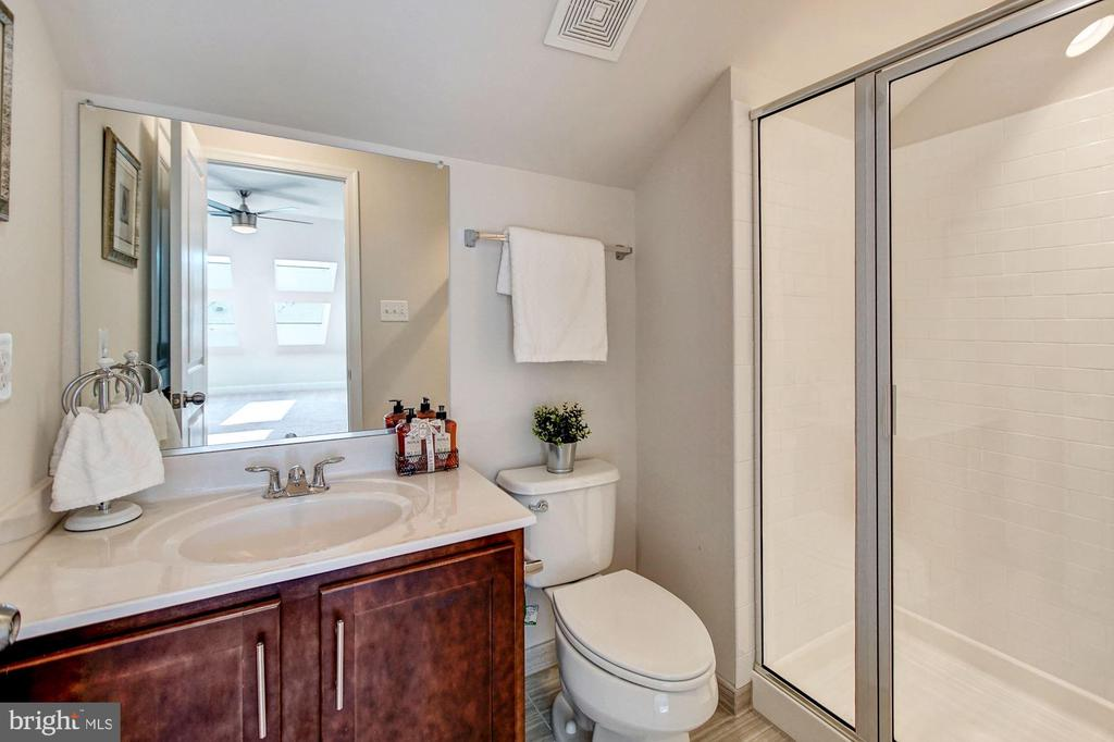 Master bath #3 with step-in shower - 116 WATERLINE CT, ANNAPOLIS