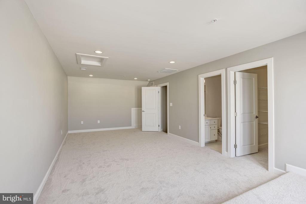 Top Floor Bedroom - 20622 DUXBURY TER, ASHBURN
