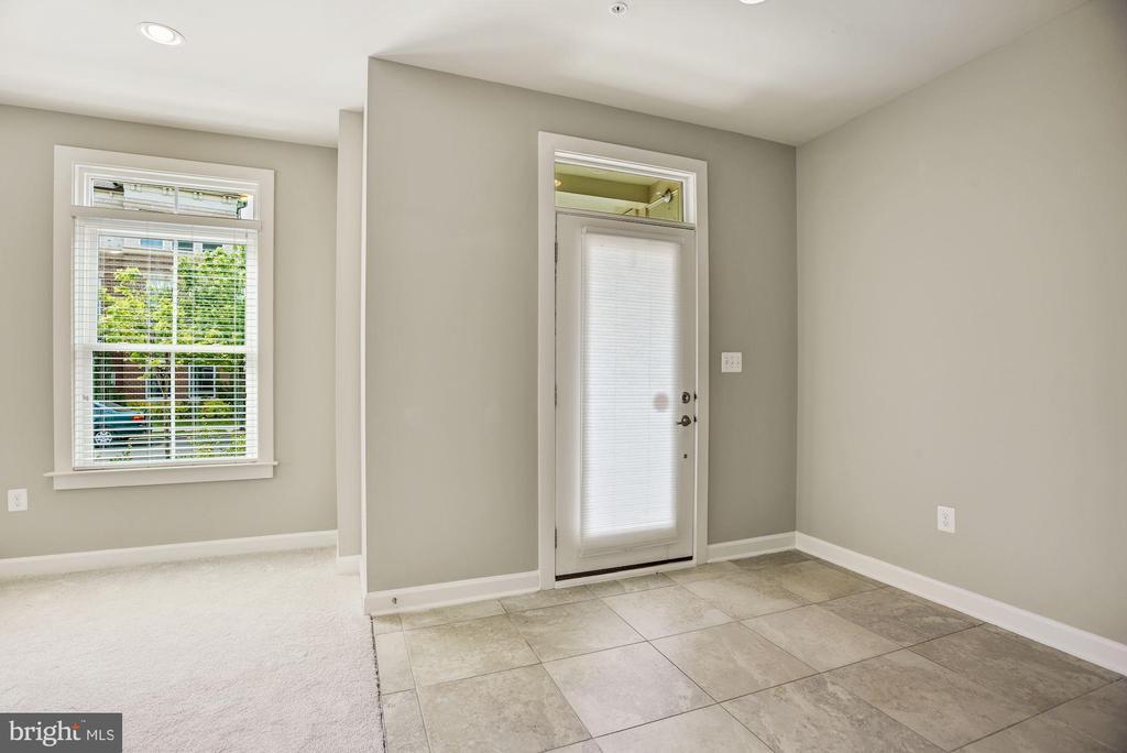 Ceramic Tile Entry - 20622 DUXBURY TER, ASHBURN