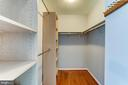 Large walk-in closet - 1331 STOKLEY WAY, VIENNA