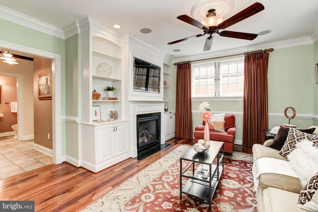 Family room to hall, 1/2 BA & KT - 2 CUMBERLAND CT, ANNAPOLIS