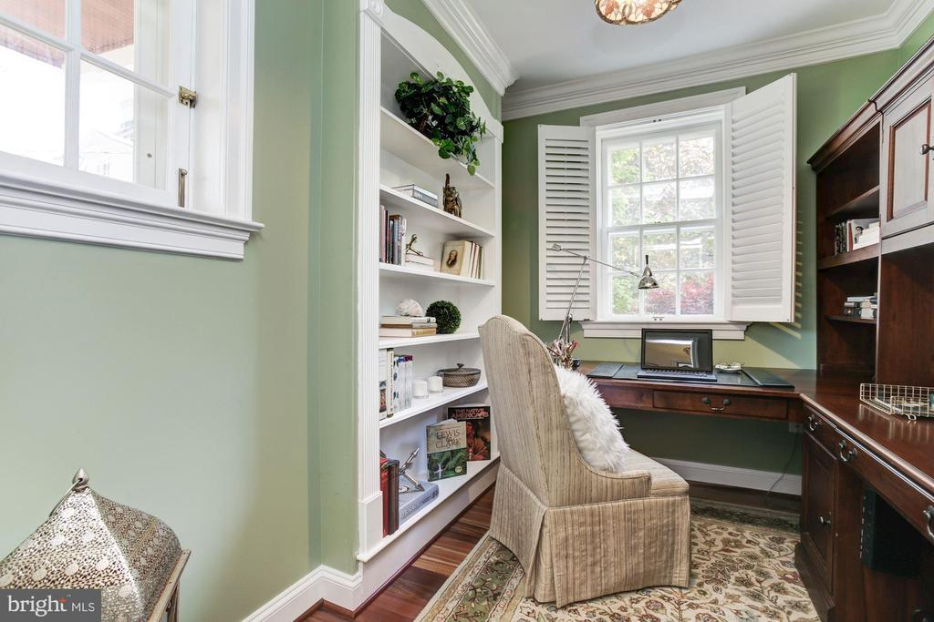 Office is light-filled - 2 CUMBERLAND CT, ANNAPOLIS