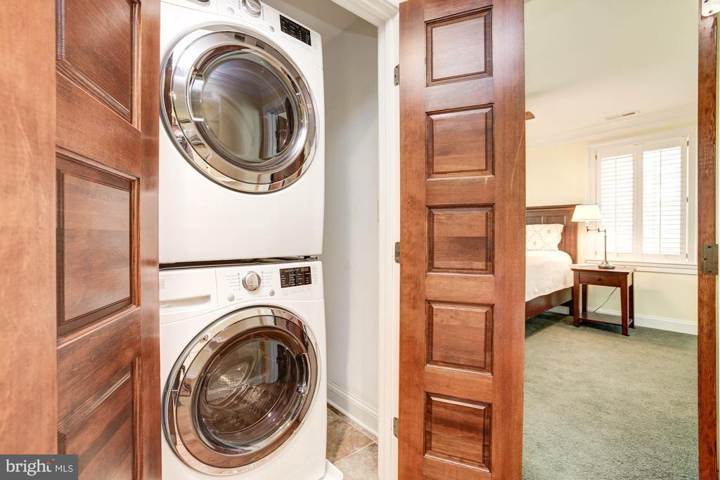 Laundry on hall - 2 CUMBERLAND CT, ANNAPOLIS