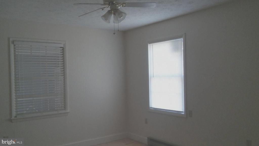 In-law bedroom - 260 WHITE HALL RD, WINCHESTER