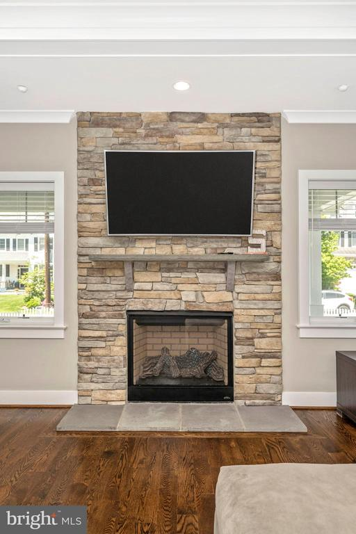Stone Fireplace - 5606 FOREST PL, BETHESDA