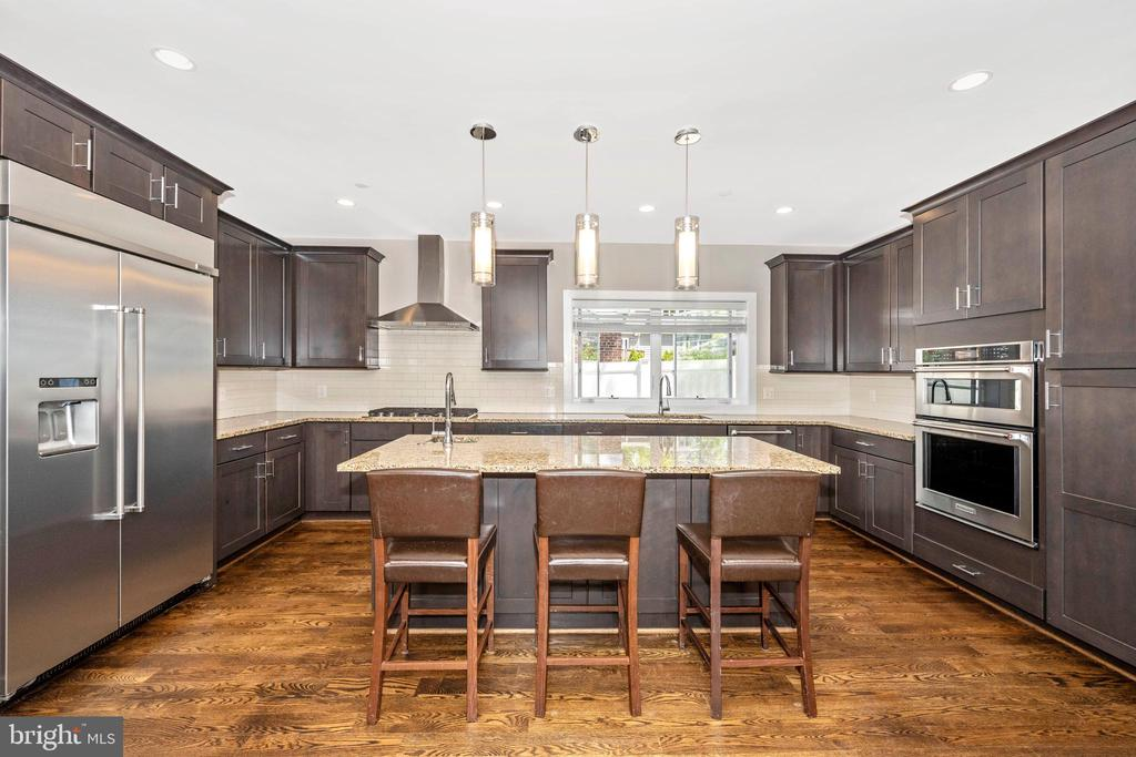 Kitchen w/ Stainless Steel Appliances - 5606 FOREST PL, BETHESDA
