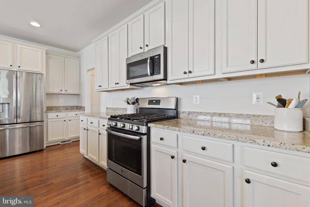 Stainless Appliances - 450 EMBREY MILL RD, STAFFORD