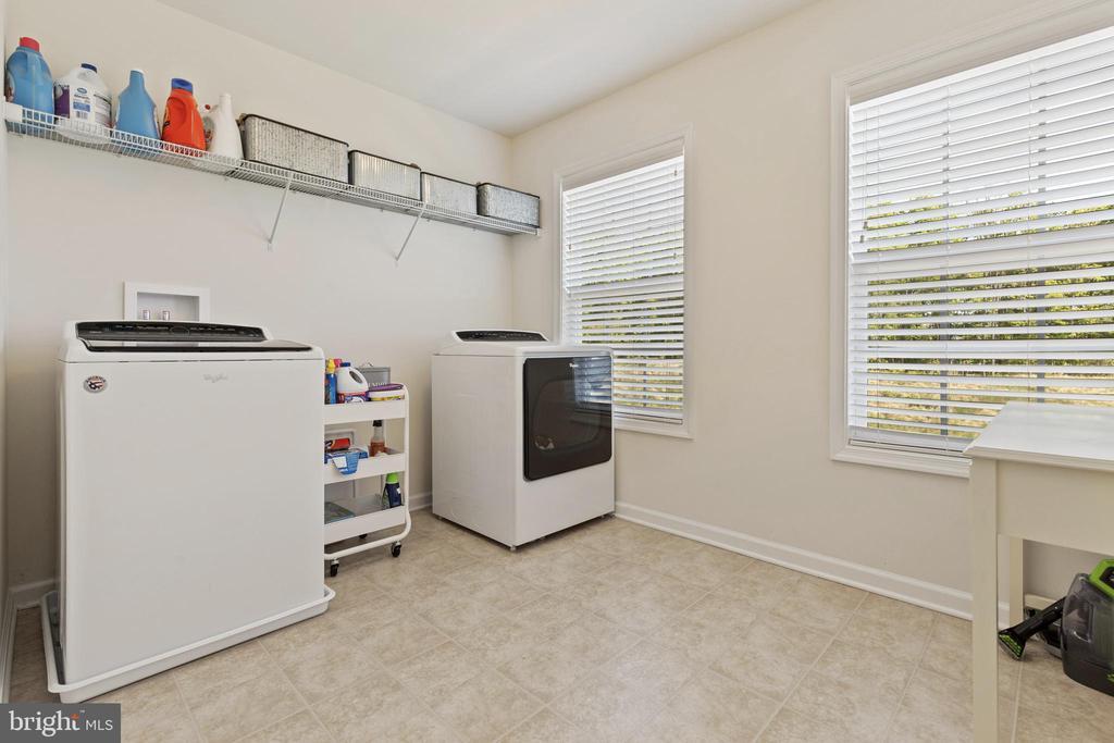 Upper Level Laundry Room - 450 EMBREY MILL RD, STAFFORD