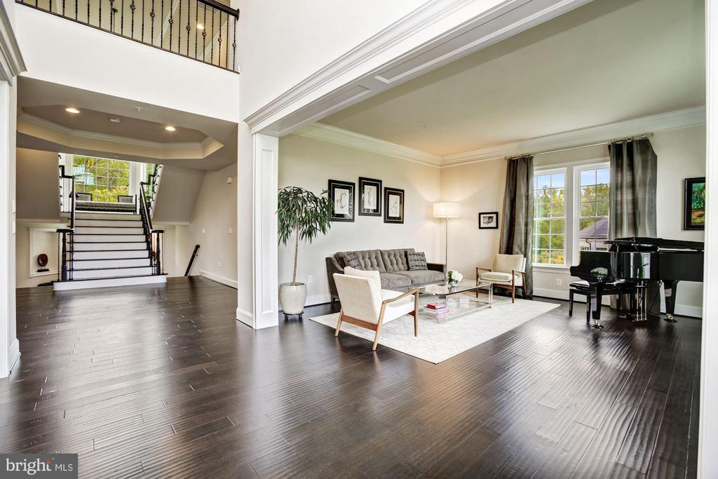 Extended Foyer and Open Up/Down  Dual Stair - 13029 HIGHGROVE RD, HIGHLAND