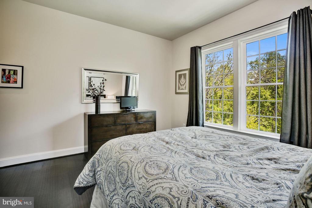 Main Level En-Suite Bedroom - 13029 HIGHGROVE RD, HIGHLAND