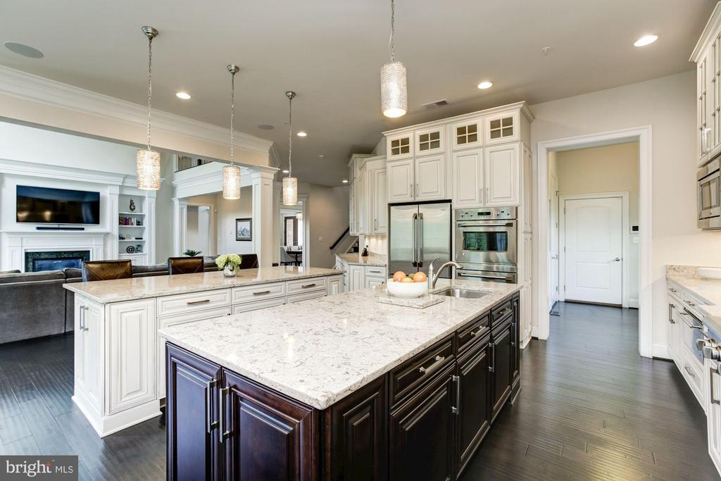 Open Kitchen,W/I Pantry,Garage Access,& 2nd Powder - 13029 HIGHGROVE RD, HIGHLAND
