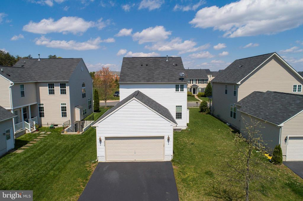 Ariel View Shows Usable Yard Space - 25928 KIMBERLY ROSE DR, CHANTILLY