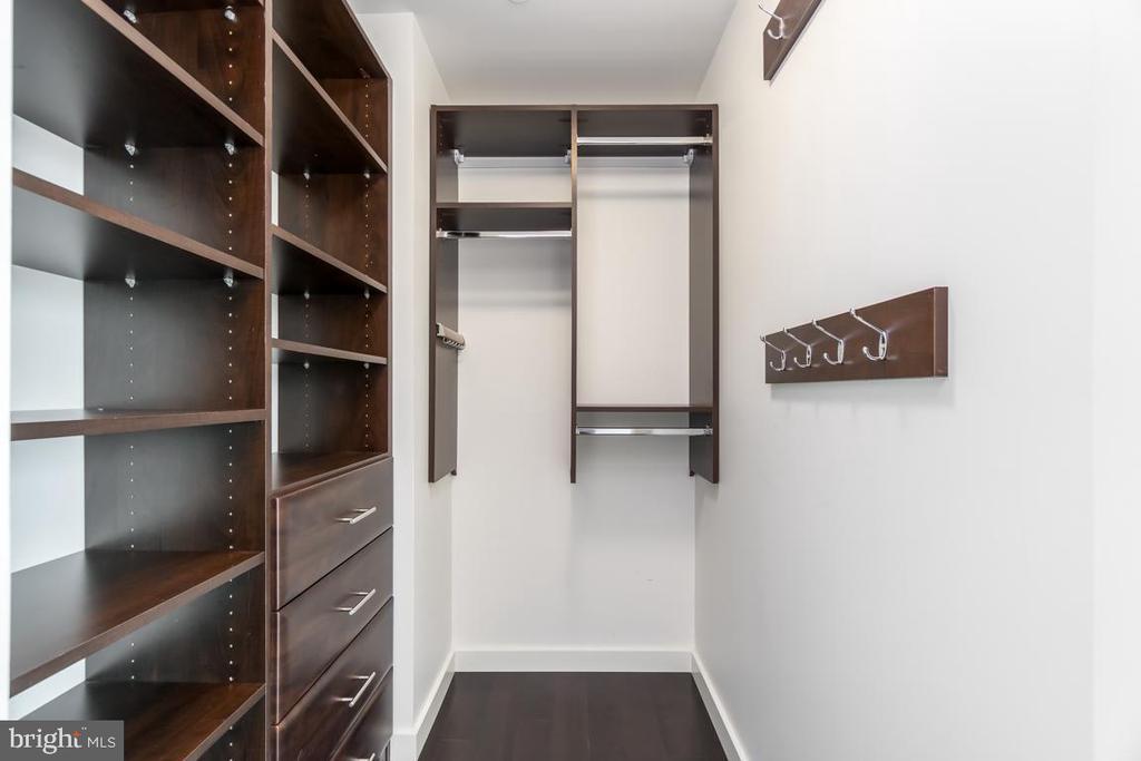 Custom Closets - 1881 N NASH ST #1011, ARLINGTON