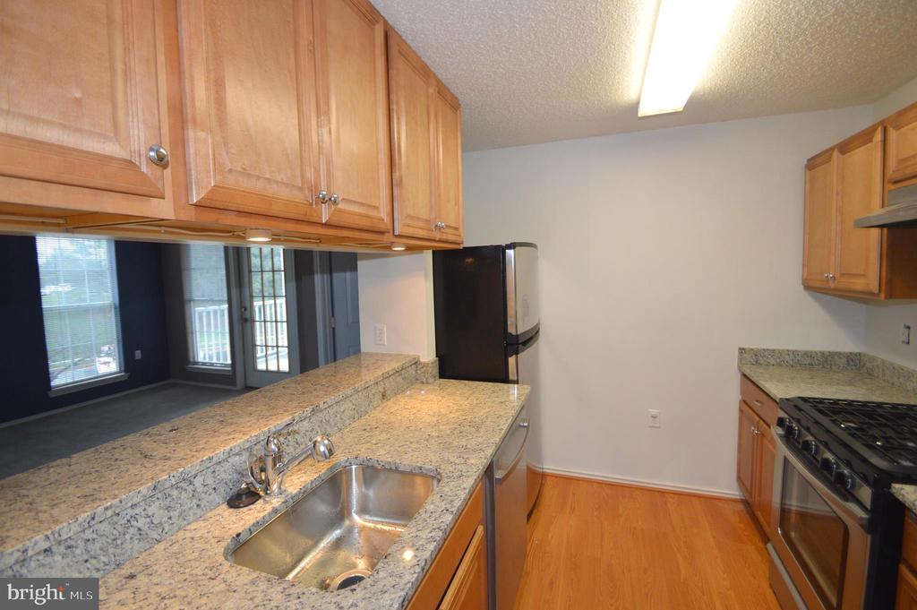 Kitchen - 20991 TIMBER RIDGE TER #202, ASHBURN