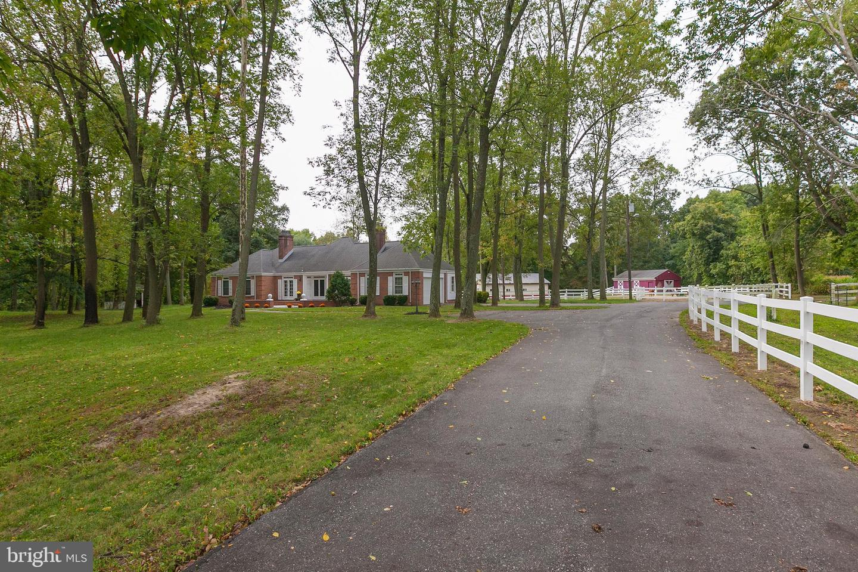 Single Family Homes 为 销售 在 Pilesgrove, 新泽西州 08098 美国