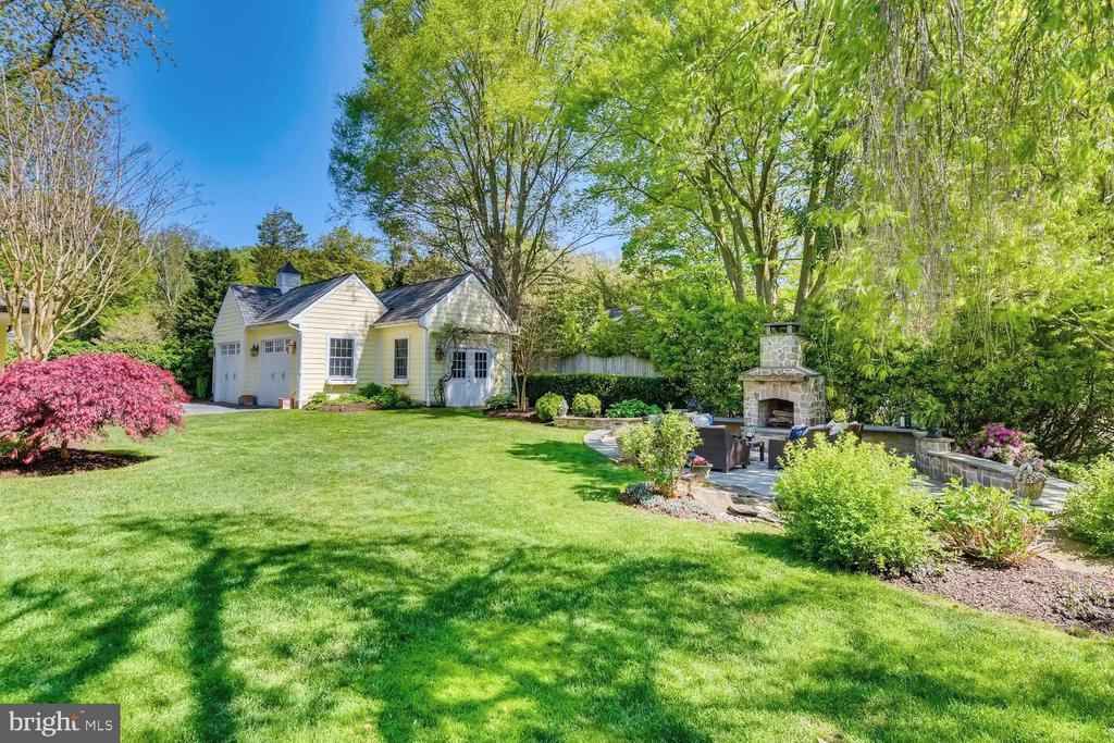 Rear grounds with outdoor fireplace w/gas starter - 1209 BERWICK RD, TOWSON