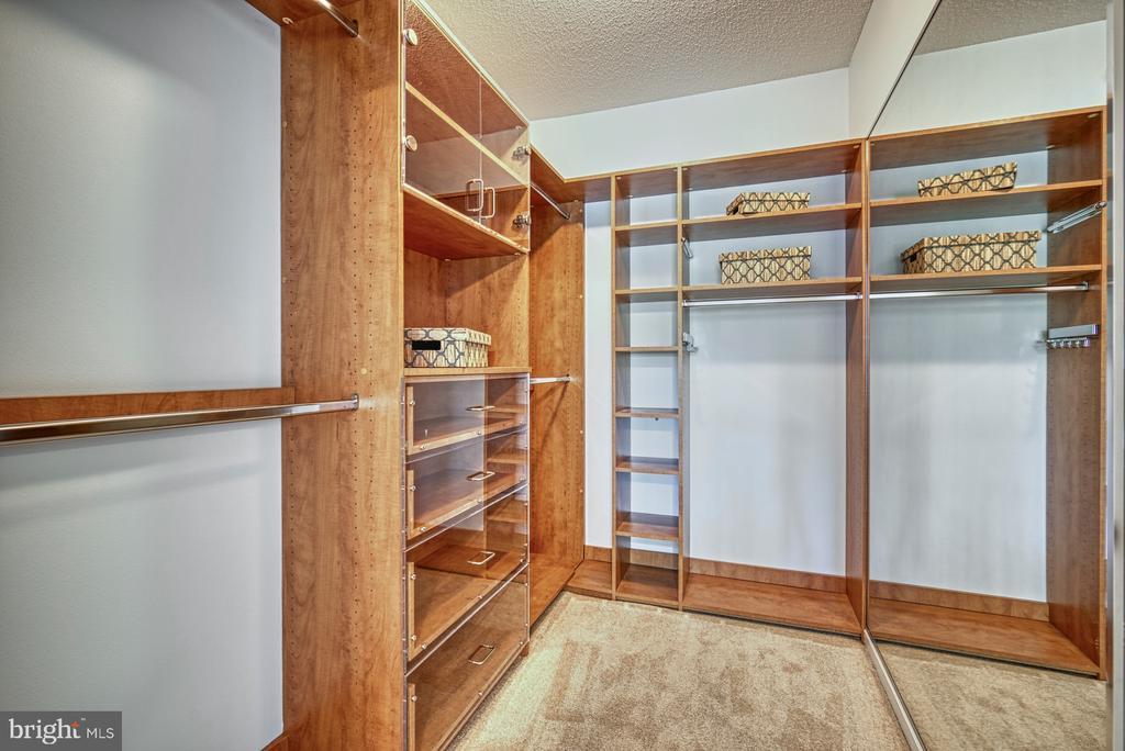 Master Bedroom Closet - 1720 LAKE SHORE CREST DR #34, RESTON