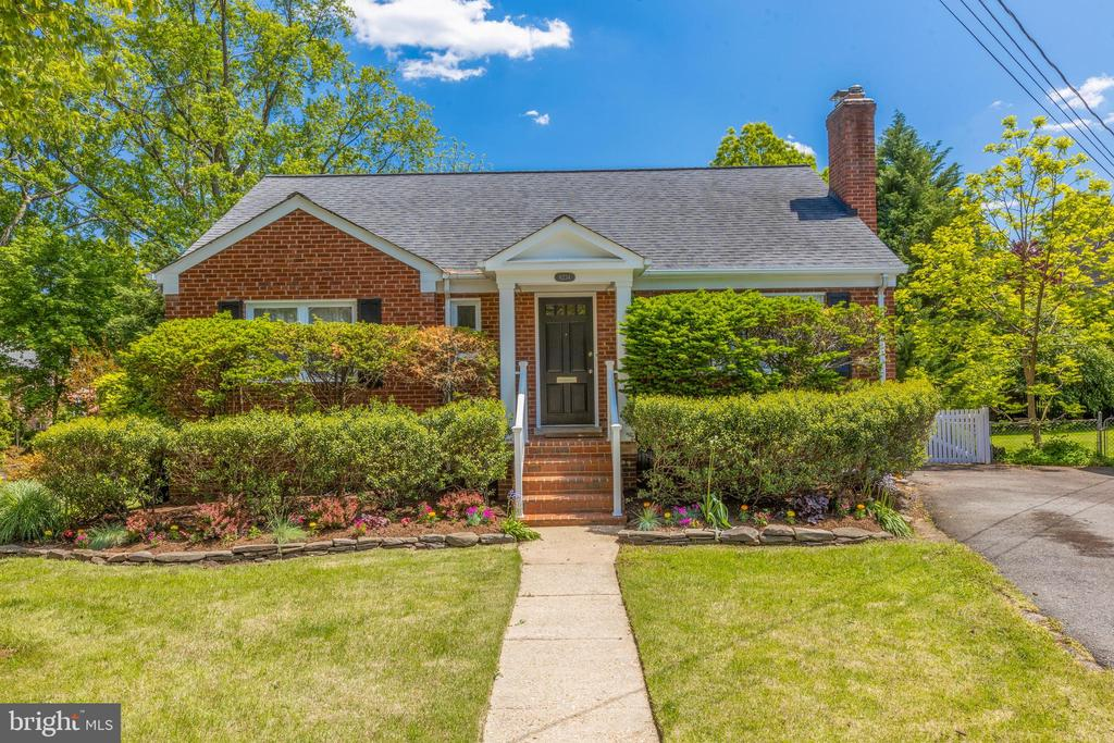 Welcome home to beautifully expanded rambler - 6234 22ND RD N, ARLINGTON