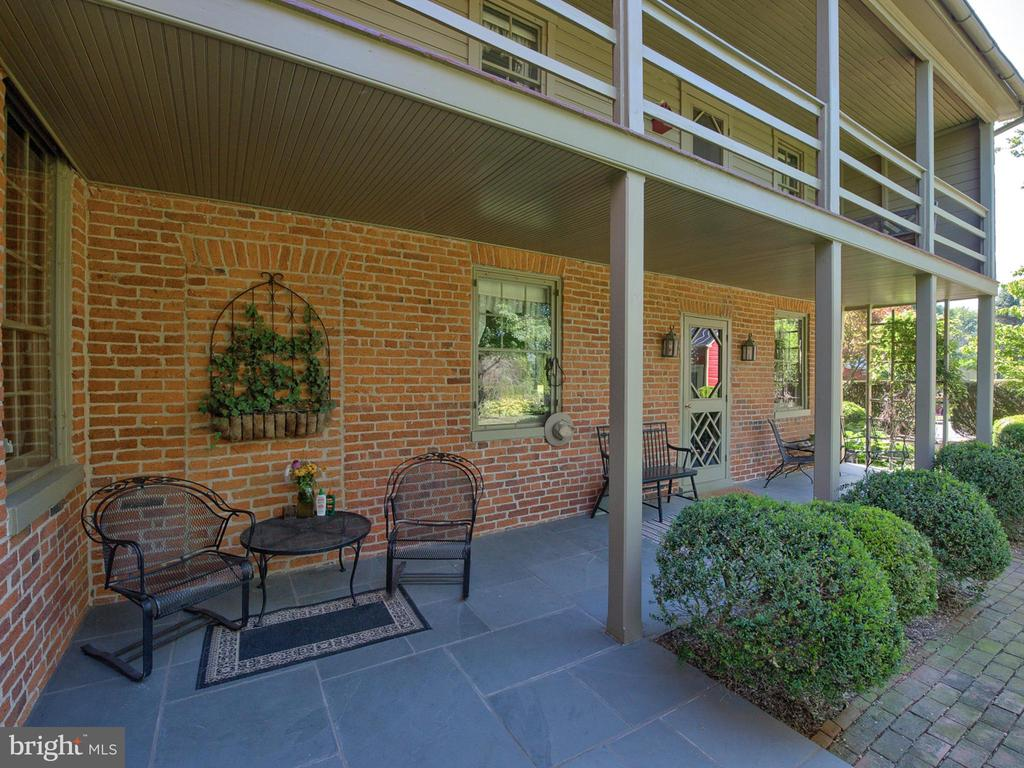 Private patio and resting spot - 4105 WESTON DR, KNOXVILLE