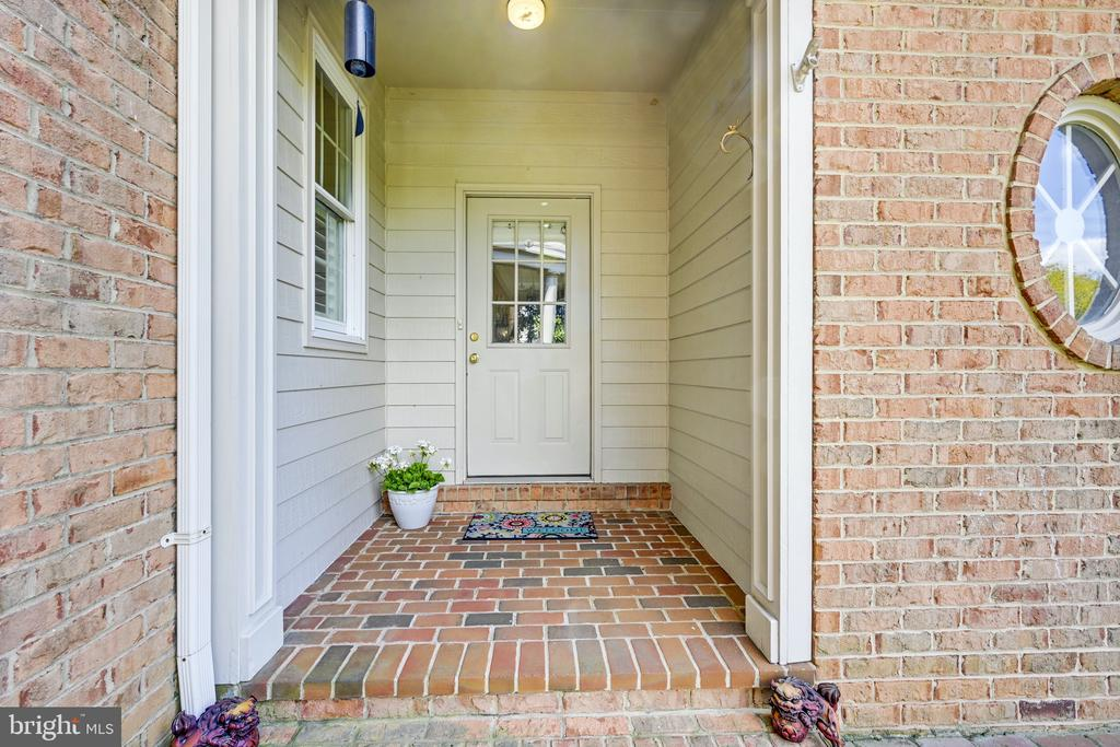 Side entry from driveway - 3417 HIDDEN RIVER VIEW RD, ANNAPOLIS
