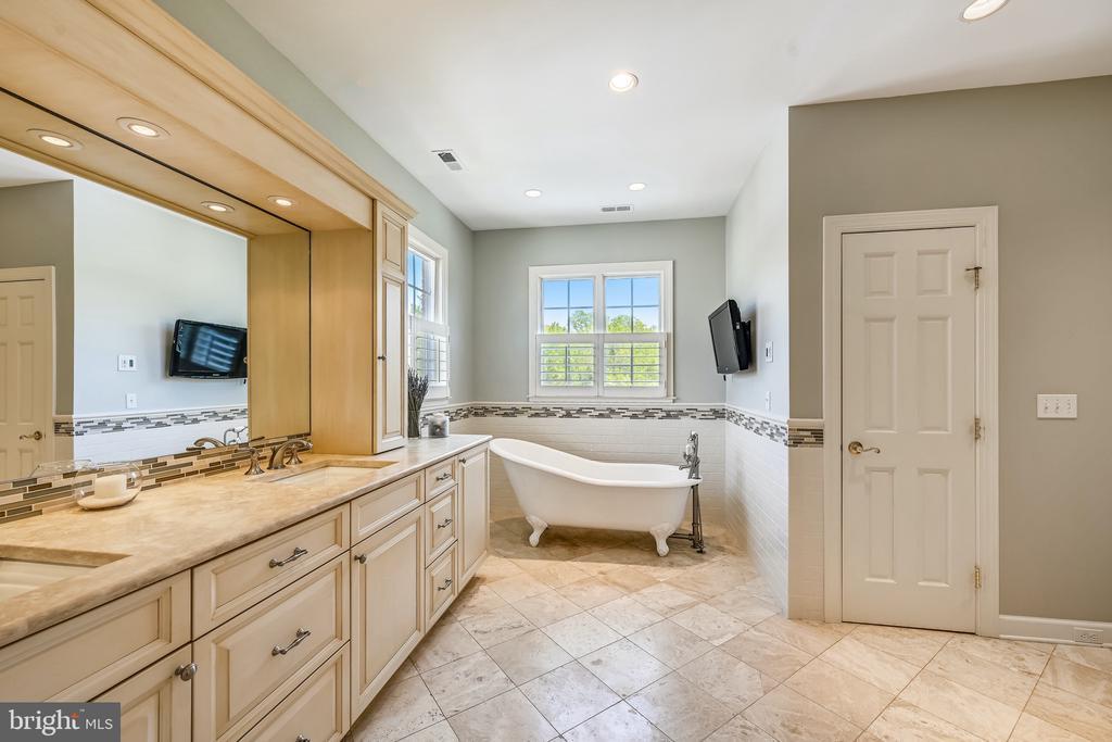 Master bathroom,  great color scheme - 3417 HIDDEN RIVER VIEW RD, ANNAPOLIS