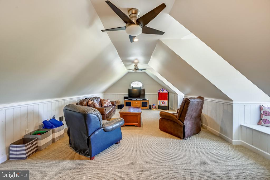 Additional recreation room above garage - 3417 HIDDEN RIVER VIEW RD, ANNAPOLIS