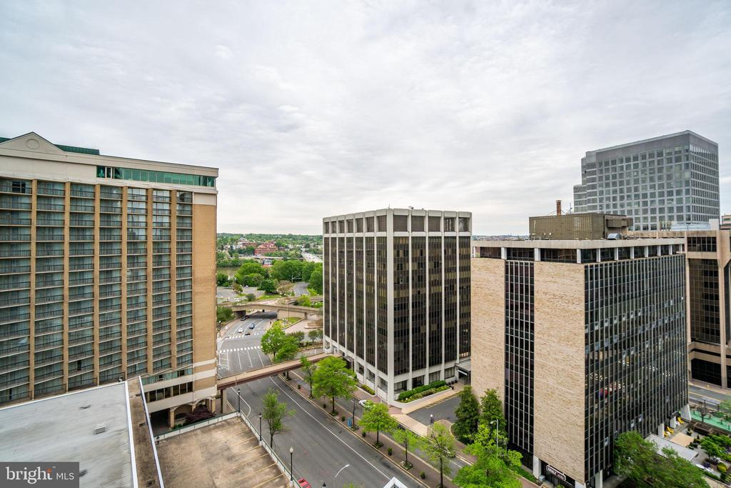 Key Bridge Views - 1881 N NASH ST #1011, ARLINGTON