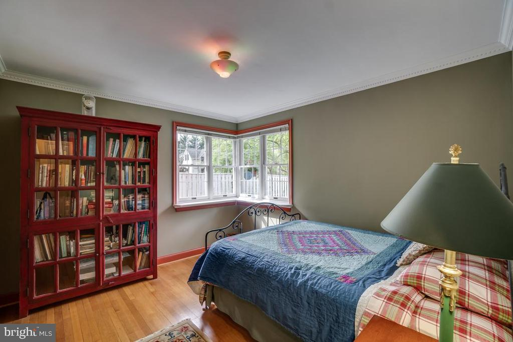 Main level bedroom 2 - 5824 BRADLEY BLVD, BETHESDA