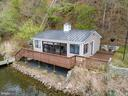 Escape to your fully equipped finished boathouse - 236 MOUNTAIN LAUREL LN, ANNAPOLIS