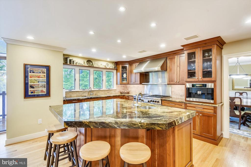 Kitchen w/ cherry cabinets, granite counters - 236 MOUNTAIN LAUREL LN, ANNAPOLIS
