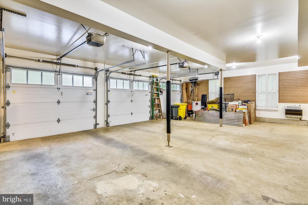 3 gar. door openers, wall racks, utility room - 236 MOUNTAIN LAUREL LN, ANNAPOLIS