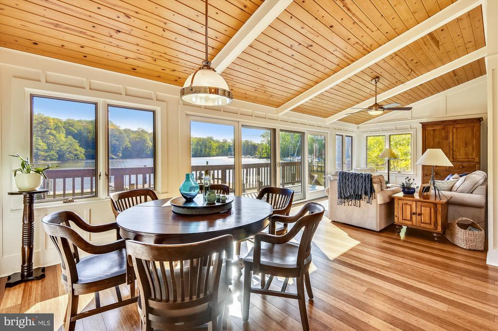 Boathouse dining area, bamboo flooring throughout - 236 MOUNTAIN LAUREL LN, ANNAPOLIS