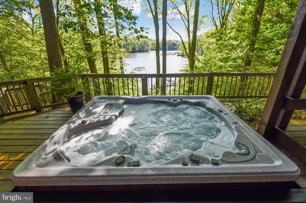 Soak while soaking up the beautiful views - 236 MOUNTAIN LAUREL LN, ANNAPOLIS