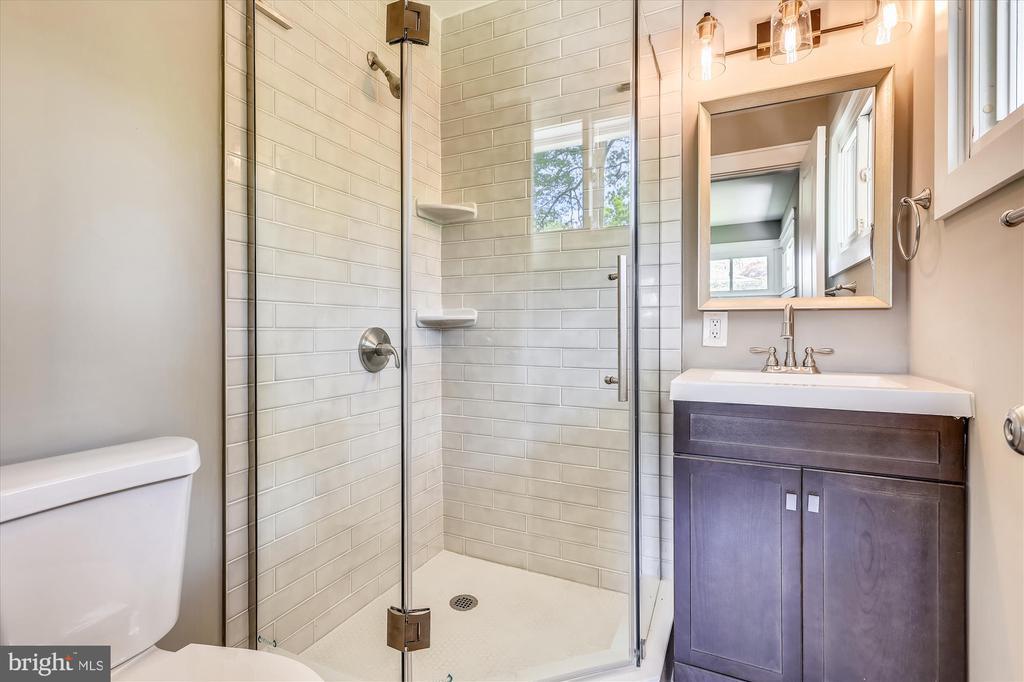 Fully Renovated Master Bathroom - 1128 CRESTHAVEN DR, SILVER SPRING