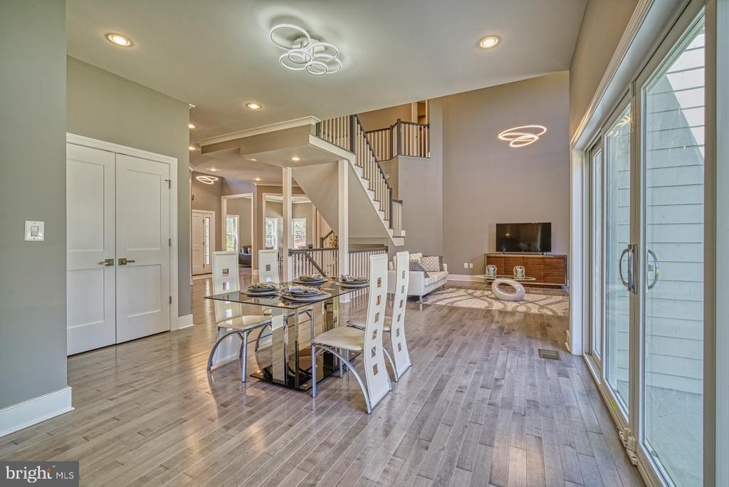Open Floor Plan - View from Gourmet Kitchen - 1349 GORDON LN, MCLEAN